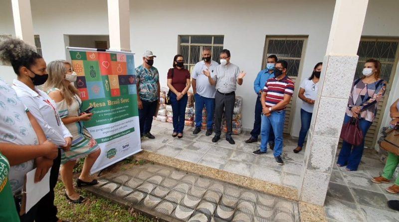 Diocese de Almenara recebe doação de alimentos do Mesa Brasil Sesc